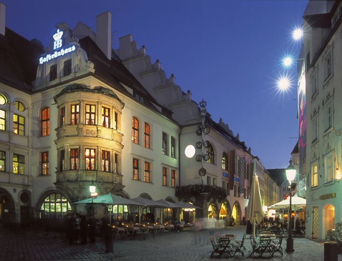 Hofbräuhaus at night - Foto: B Roemmelt